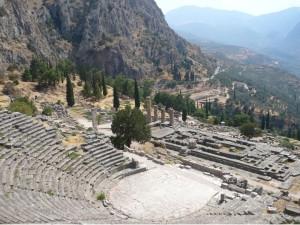Perspectiva del Santuario de Delfos desde el Teatro.