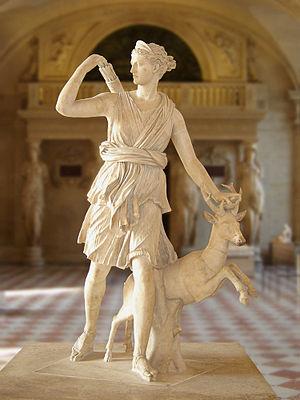 Diana cazadora. Copia romana de un original griego del s. IV a.C. Museo del Louvre, París.