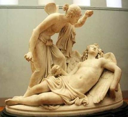 Psique contempla a Eros a la luz de la lámpara de aceite, Reinhold Begas (1831-1911). Antigua Galería Nacional de Berlín