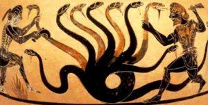 Hércules da muerte a la Hidra de Lerna ayudado por Yolo. Cerámica griega de figuras negras, 525 a.C. Museo Museo colección de J. Paul Getty en Malibu. Los Ángelescolección de J. Paul Getty en Malibu. Los Ángeles