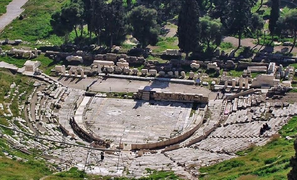 Teatro de Dionisos al pié de la Acrópolis de Atenas.